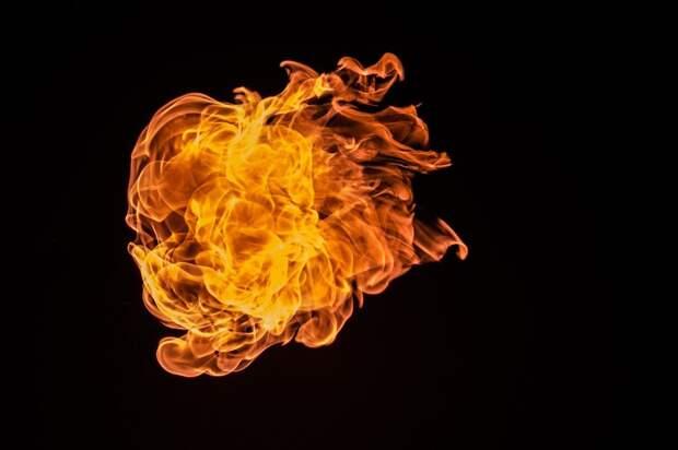 На Ильменском проезде произошло крупное возгорание