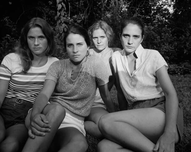 Геронтофобия: почему мы боимся стареть и кто навязал нам культ молодости