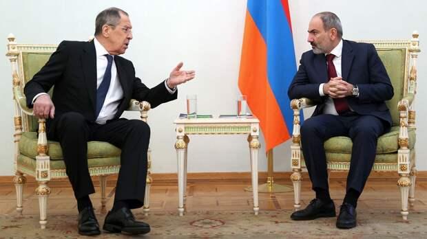 Пашинян пожаловался Лаврову на Баку. Как Россия пытается помирить Армению и Азербайджан?