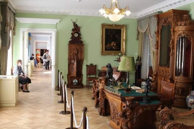 Бешеный ажиотаж: петербуржцы облюбовали Елагиноостровский дворец после реставрации