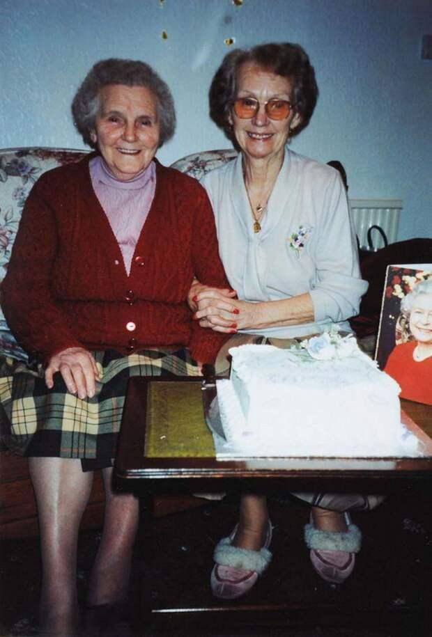 twin-sisters-celebrate-100th-birthday-irene-crump-phyllis-jones-vinegret-3