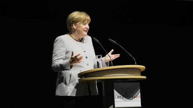 """Меркель заявила о заинтересованности Германии в завершении """"Северного потока — 2"""""""