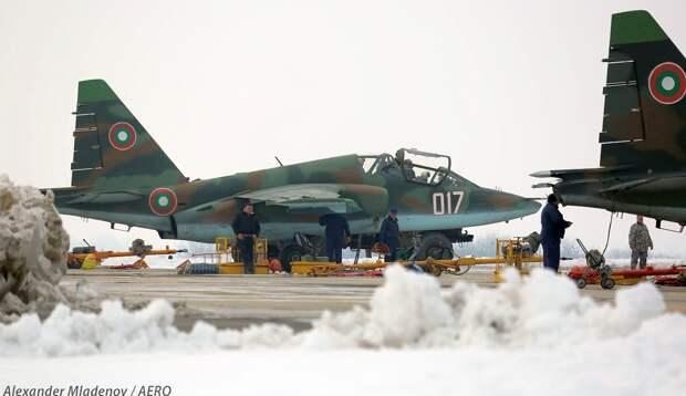 Лукашенко помог НАТО поставить Су-25 на «новое крыло»