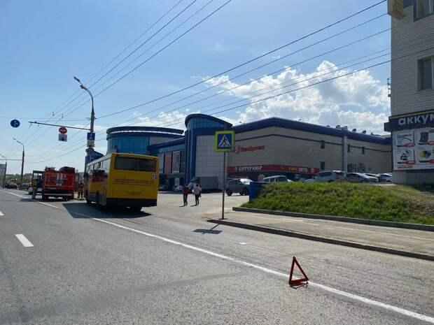 Четыре человека пострадали в аварии с автобусом вблизи ТЦ «Флагман» в Ижевске