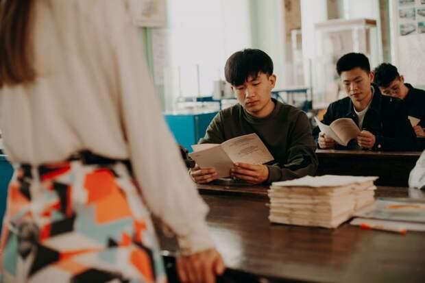 Онлайн-школы для студентов из Китая начали работу в университете транспорта на Образцова