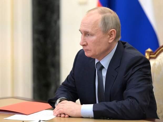 Путина задели слова вице-премьера Чернышенко о туристах, которые «вытопчут все» в Долине гейзеров