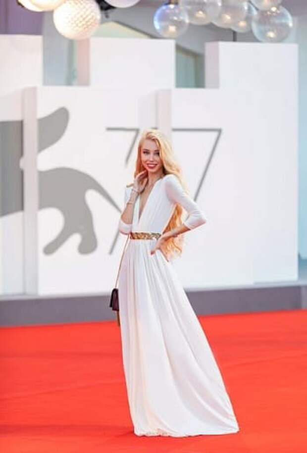 Как дизайнер Ксения Самойленко отдохнула на кинофестивале в Венеции?