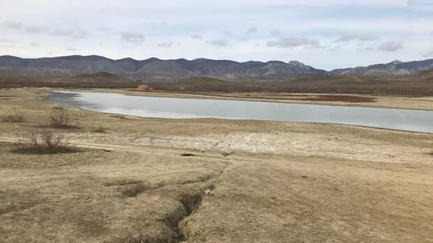 Еще одно крымское озеро оказалось на грани исчезновения