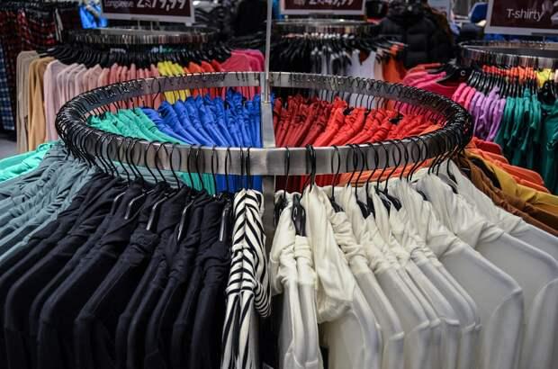 В Симферополе два крымчанина украли одежду из спортивных магазинов на 80 тысяч рублей