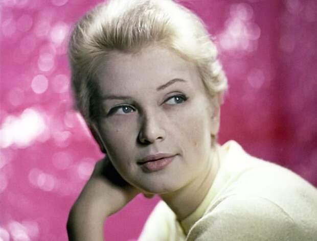 Одна из самых красивых советских актрис Валентина Титова   Фото: kino-teatr.ru