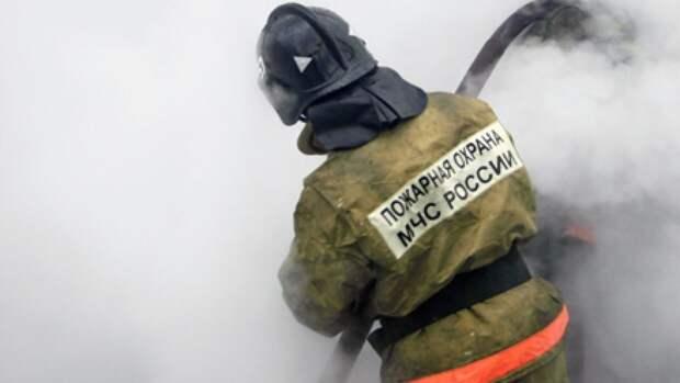 Огнеборцы смогли спасти 20 человек из пылающего дома в Южно-Сахалинске