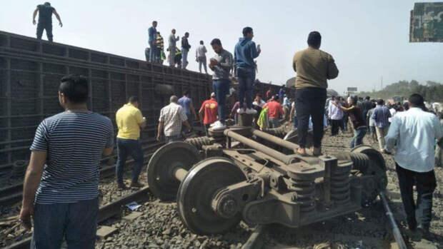 Свыше 100 человек пострадали при аварии поезда в Египте