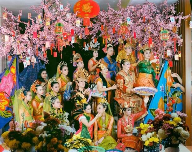 «Фальшивый идол»: как борьба заамериканскую грин-карту вдохновила художника