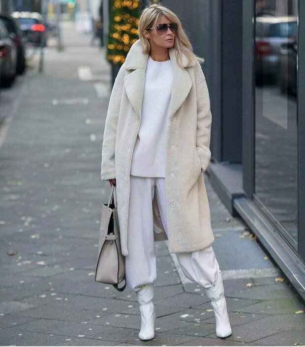 Почему зимой стоит носить светлое