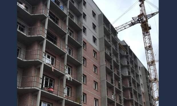В Архангельске завершается строительство социальной многоэтажки на Ленинградском проспекте