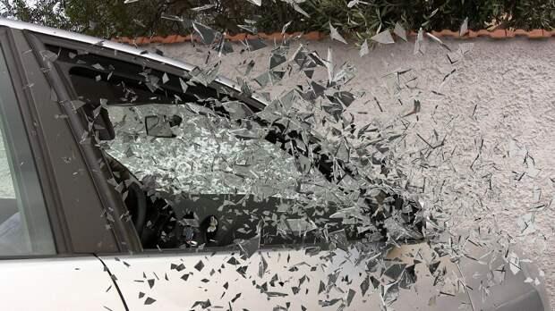 В Рязанском районе Suzuki SX4 врезался в Toyota Land Cruiser и вылетел в кювет