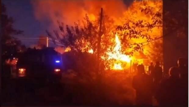 В Горловке на улице Седова произошел масштабный пожар