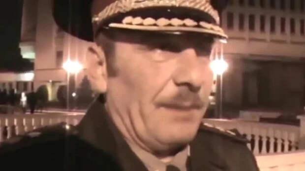 """Откровения украинского генерала """"подшофе"""". Грустное видео..."""