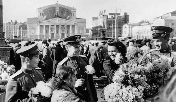 За годы войны на заводе было переработано 2,8 млн т нефти, подавляющее большинство работников получили медаль «За доблестный труд в Великой Отечественной войне 1941–1945 гг.»