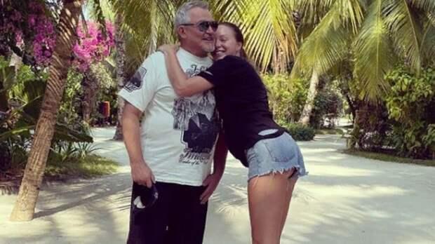 «Лишний вес»: ростовчанка Диброва показала, как теперь выглядит еемуж