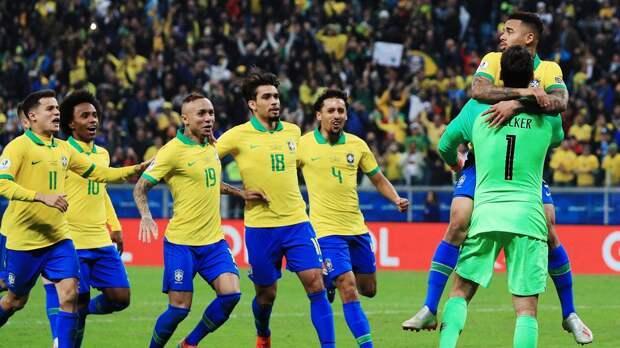 Пока выспали, Фирмино незабил пенальти, аАлиссон затащил Бразилию вполуфинал Кубка Америки