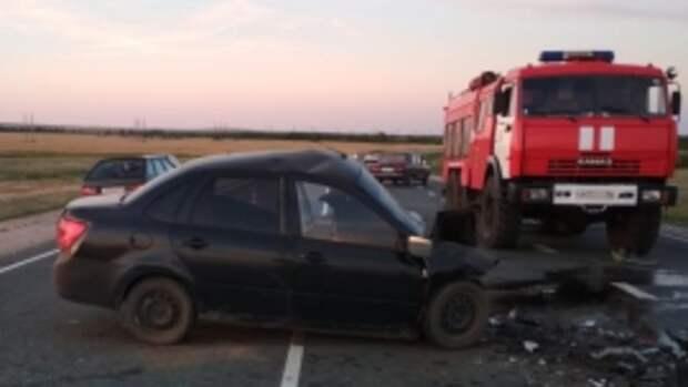 В серьёзном ДТП под Соль-Илецком пострадали люди