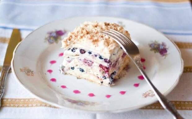 Наполеон с безе и чёрной смородиной. Улучшенный вкус традиционного десерта 2