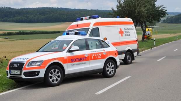 При обрушении пешеходного моста в Германии погиб человек