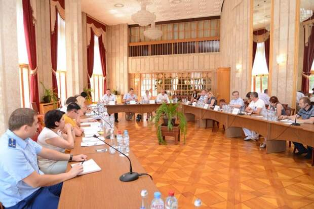 Комитет Госсовета Крыма проверил состояние и целевое использование муниципальных объектов Ялты (фото)