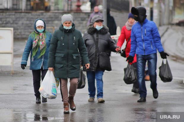 Мясников обвинил россиян ввозвращении COVID-ограничений. «Неимеете права вякать»