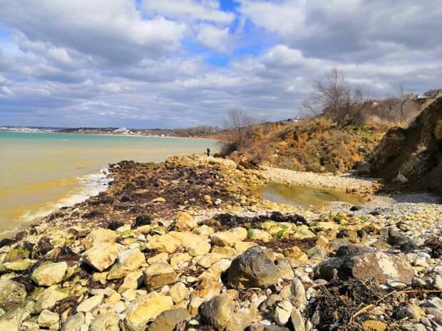Оползень на Северной стороне Севастополя грозит разрушением пляжу «Толстяк»
