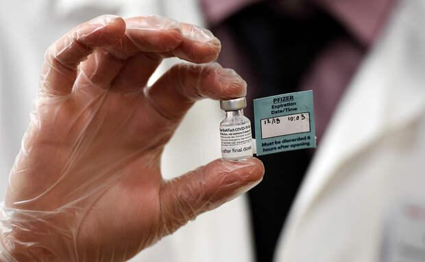 В США конгрессмен заразился коронавирусом после вакцинации Pfizer
