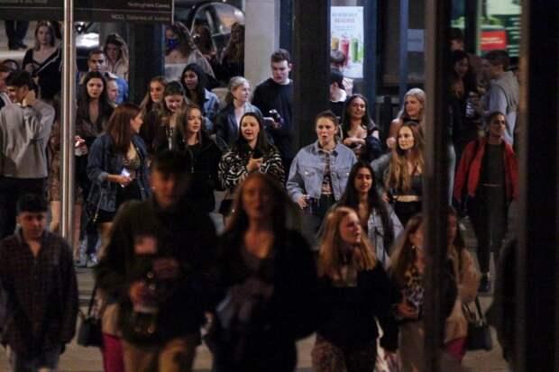 Хорошо погуляли: как британские первокурсники отмечают начало учебы