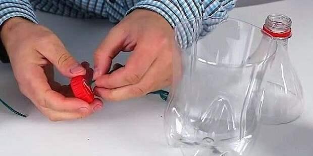 Колокольчики из ниток и клея на основе пластиковой бутылки. Интересная идея декора к парзднику!