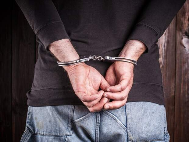 Полиция задержала подозреваемого в изнасиловании сотрудницы магазина в Москве