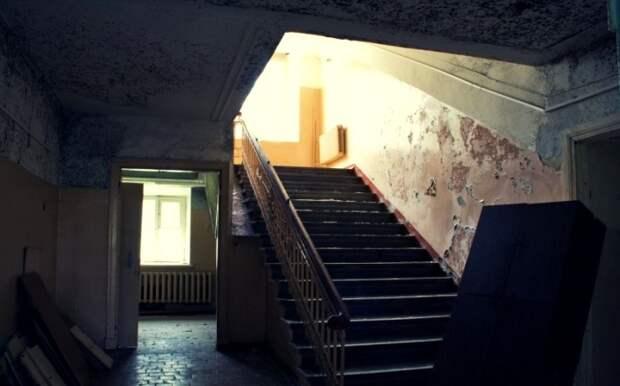 Интерьеры усадьбы время также не пощадило. /Фото: urban3p.ru