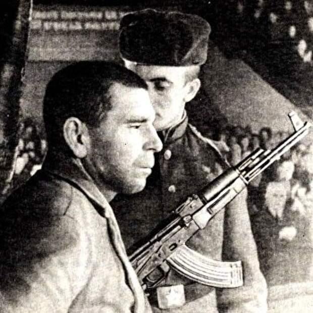 «Яжилкакзаяц». Какпалач молодогвардейцев получил медаль «Заотвагу»