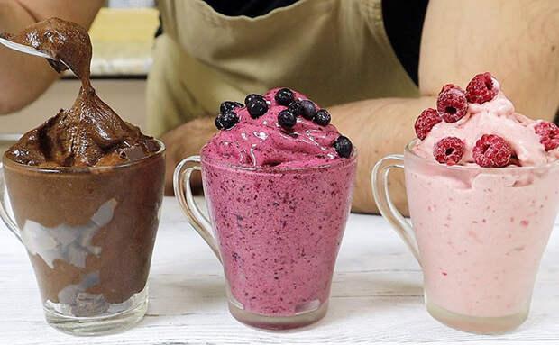 Мороженое за 1 минуту в блендере: смешиваем замороженные ягоды с бананом и обходимся без сахара