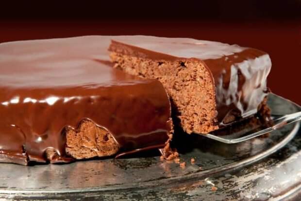 Насыщенный шоколадный торт 2