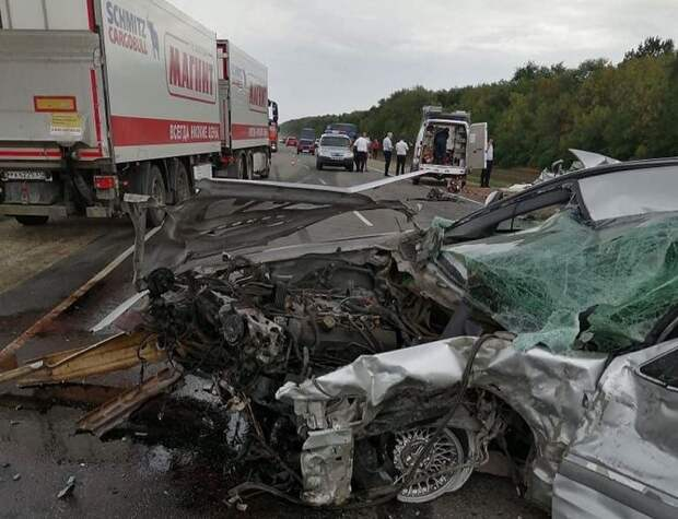 На Кубани в массовом ДТП погибли четыре человека