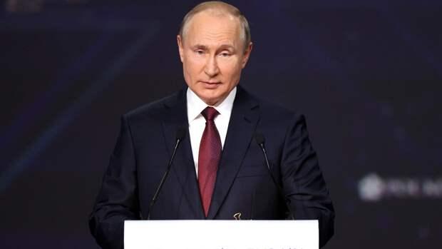 """Путин назвал уродливым законопроект Зеленского о """"коренных украинцах"""""""