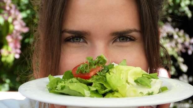 Диетолог Арсеньева назвала способы облегчить процесс похудения