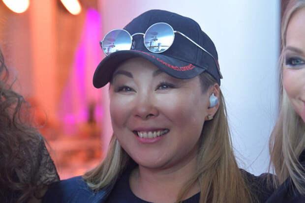 Анита Цойобъяснила своё участие взаписи песни «Любимую неотдают»