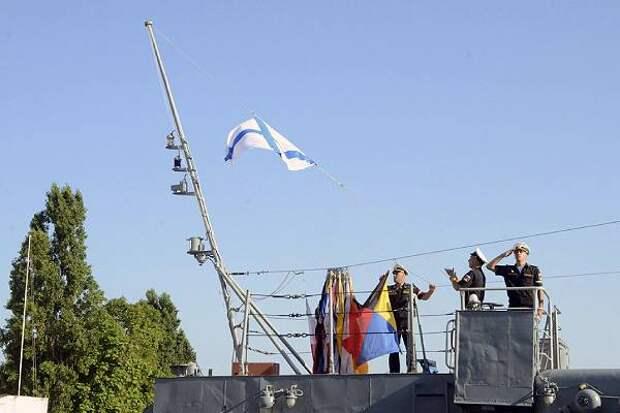 Путин изменил флаги кораблей ВМФ