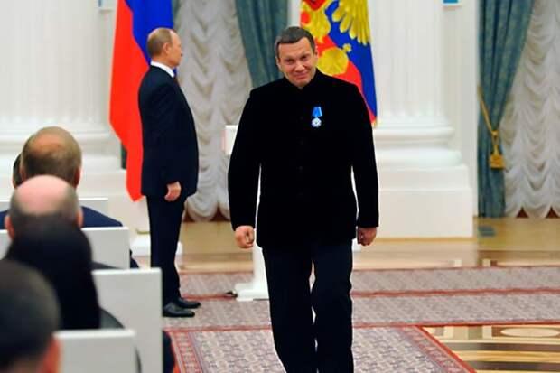 Невзирая на пафосный фильм Соловьева «Москва Кремль Путин», рейтинг президента упал до отметки 31,7%