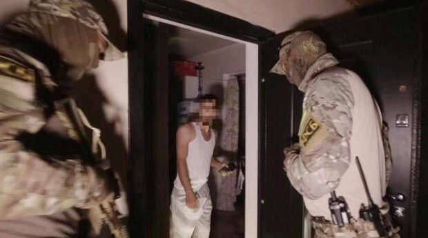 ФСБ задержала в Крыму участников террористической организации (ВИДЕО)