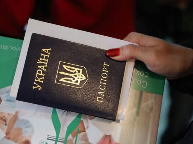 Кабмин Украины обвинил Россию в уменьшении численности украинцев в РФ