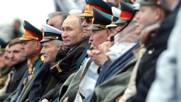"""Песков объяснил слова Путина о """"недобитых карателях"""" во время парада в Москве"""