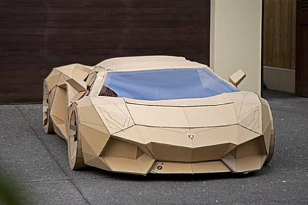 Автомобиль из картона продали по цене настоящей машины