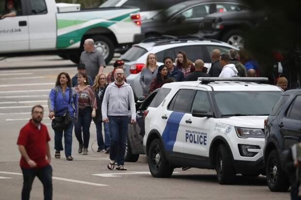 Двое учащихся были ранены во время стрельбы в американской школе